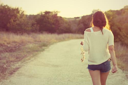 有些时候,在路上走了很久,突然发现自己竟然不知道从哪儿来,要到哪儿去