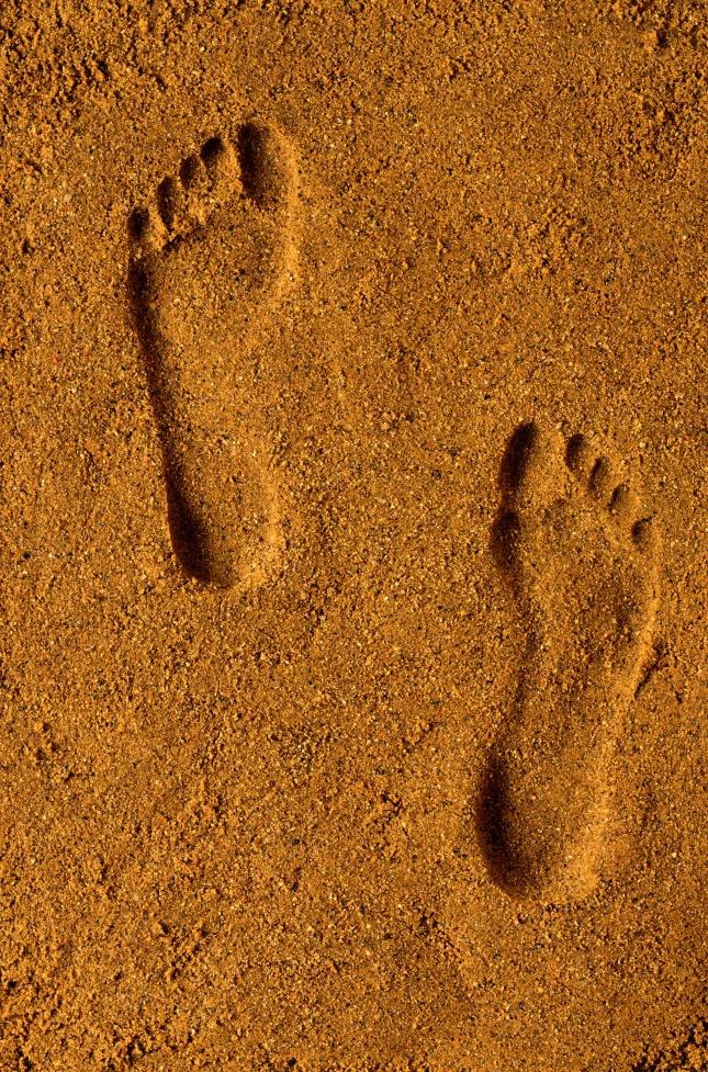 经典语录,沙滩脚印背景高清图片