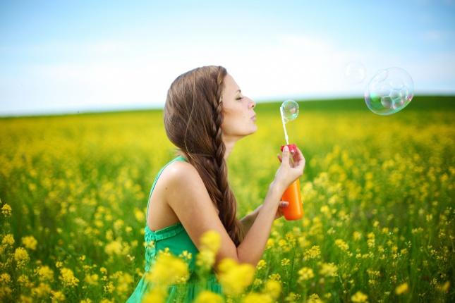 女人如花,艳丽世界:三八女神节祝福语