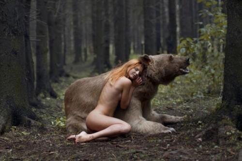 """现实版""""美女与野兽""""摄影作品欣赏 真的不是PS哟!"""