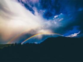 人生是一幅多彩的画面,因为每一种心情都有颜色
